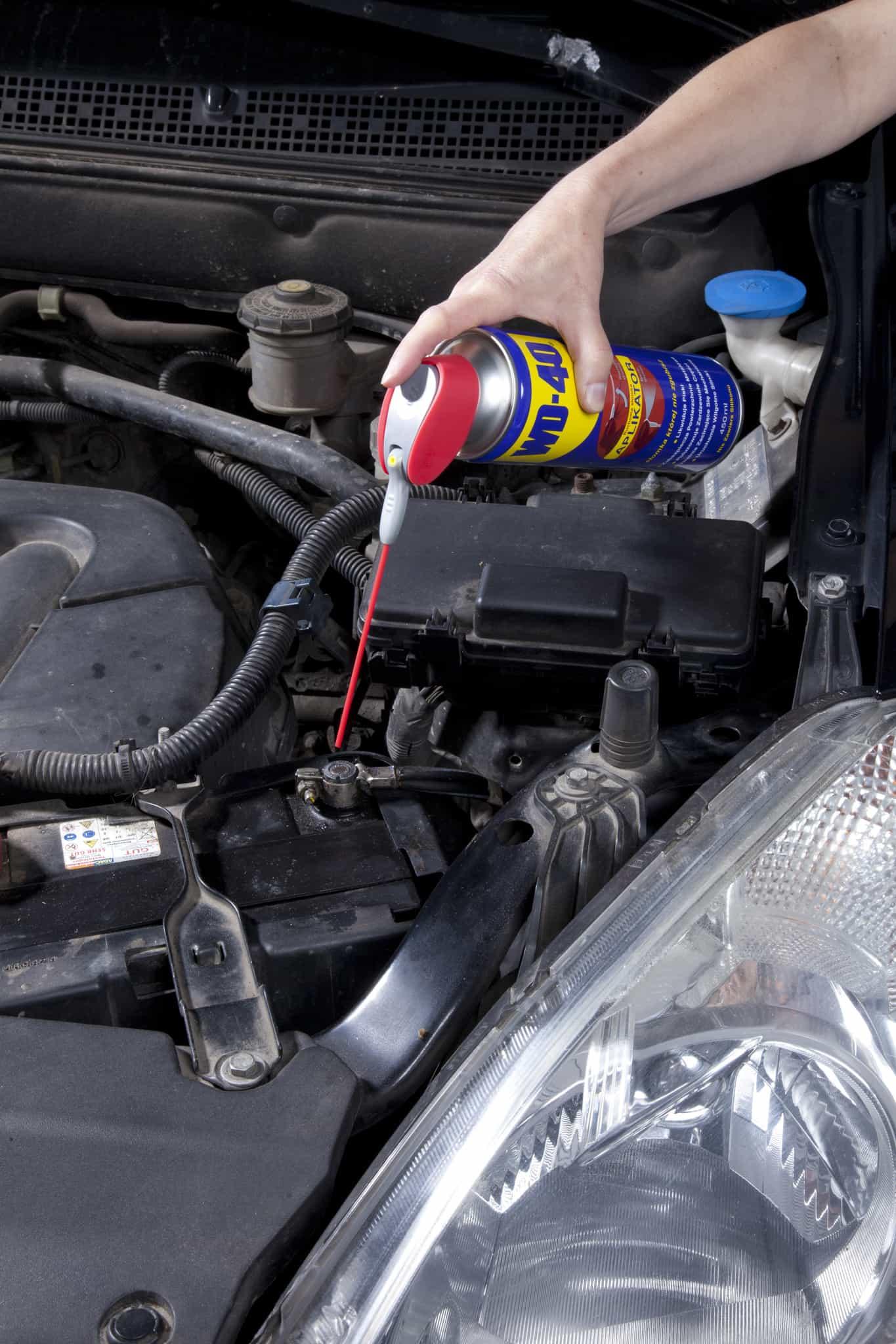 wyczyścić silnik z oleju
